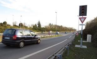 Nantes, des feux tricolores installés sur certaines bretelles d'acces au peripherique afin de reduire les embouteillages