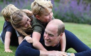 La famille royale a publié du prince William et ses trois enfants à l'occasion de ses 38 ans