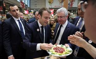 Au Salon de l'agriculture, Emmanuel Macron a souligné qu'il était «consommateur» de viande.