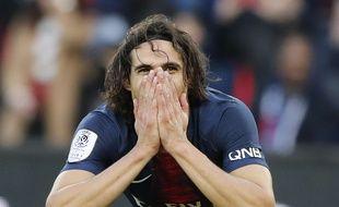 Edinson Cavani est sorti prématurément face à Bordeaux.