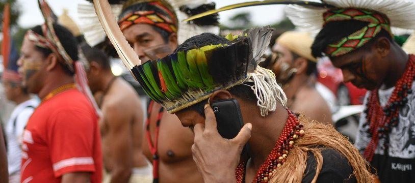 Des représentants de 17 ethnies amérindiennes manifestent à Brasilia en 2017 (illustration).
