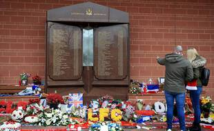 Monument rendant hommage aux victimes du drame du stade d'Hillsborough où près d'une centaine de fans de Liverpool sont décédés.