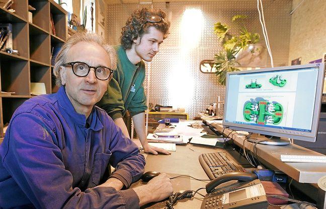 Hubert Haberbusch avec un stagiaire. Dix personnes ont planché sur le projet.