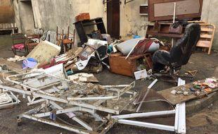 Les dégâts sont énormes à Villegailhenc, dans l'Aude, à la suite des inondations.