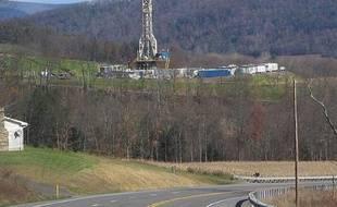 Plateforme de forage de gaz de schiste aux Etats-Unis