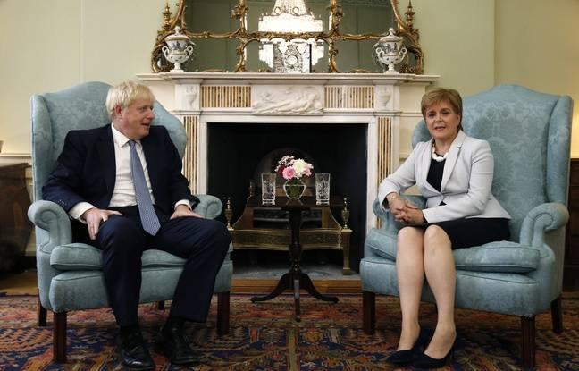 Brexit: La dirigeante écossaise accuse Boris Johnson de vouloir une sortie de l'UE sans accord