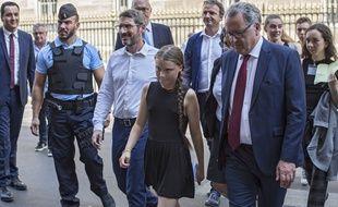 Greta Thunberg avec Matthieu Orphelin (à gauche) et Richard Ferrand (à droite)
