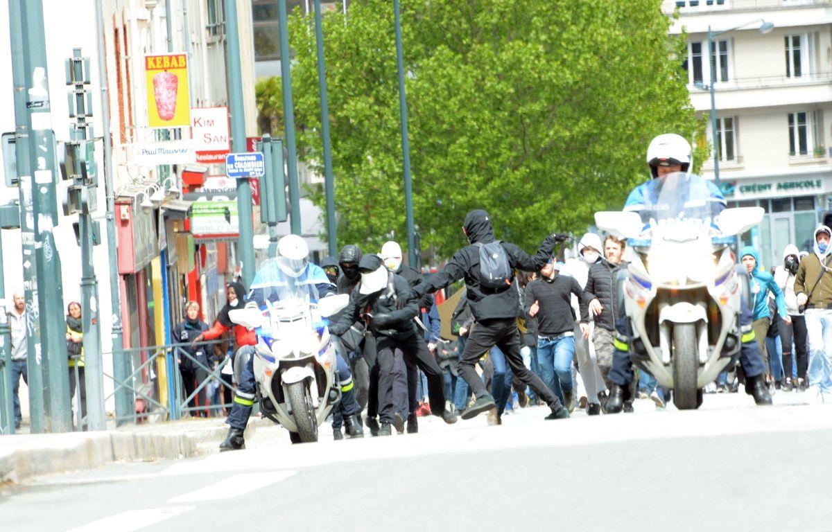 Lors de la manifestation Ni Le Pen, ni Macron du 27 avril à Rennes, un policier avait été agressé par des manifestants. – DR