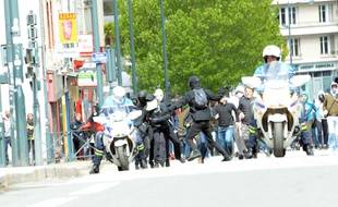 """Lors de la manifestation """"Ni Le Pen, ni Macron"""" du 27 avril à Rennes, deux policiers avaient été agressés par des manifestants."""