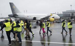 239eded47b9eb Des « gilets jaunes » avaient envahi le tarmac de Nantes le 1er décembre  2018.