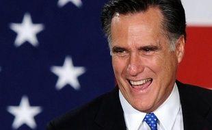 Le candidat à l'investiture républicaine à la Maison Blanche Mitt Romney a fini, sous la pression de ses adversaires, par publier mardi ses feuilles d'impôts, révélant qu'il paie 15% de ses revenus au fisc, soit largement moins que la moyenne des salariés américains