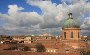 Dome de La Grave. Illustration.  Vue depuis les toits sur Toulouse.