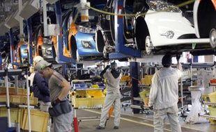 L'embellie s'est poursuivie en octobre pour le marché automobile français, avec une progression de 2,6% des immatriculations de voitures neuves en données brutes, ce qui a conduit lundi les constructeurs à revoir à la hausse leur prévision pour l'année.