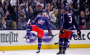 Alexandre Texier célèbre le premier doublé de sa jeune carrière en NHL mardi soir face à Tampa Bay (7-3). Kirk Irwin/Getty Images
