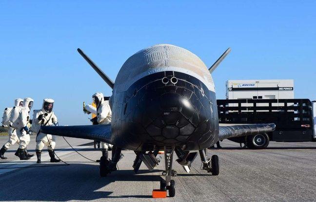 Après un séjour de presque deux ans en orbite, le drone militaire américain X-37B est revenu sur Terre le dimanche 7 mai 2017.