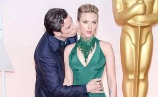 John Travolta et Scarlett Johansson, dimanche 22 février 2015, à Los Angeles.