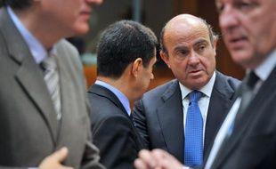 L'Espagne, qui a déjà bouclé son programme de financement pour 2012, a commencé jeudi à couvrir ses besoins pour 2013, grâce à deux émissions obligataires lui rapportant plus de 7 milliards d'euros et permettant de repousser encore la perspective d'une demande d'aide extérieure.