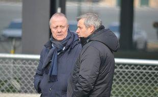 Bernard Lacombe, ici en discussion avec Bruno Genesio lors d'un entraînement de l'OL, en janvier au centre d'entraînement de Décines.