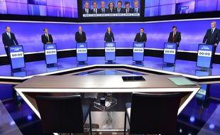 Les candidats à la primaire à droite sur le plateau de France 2.