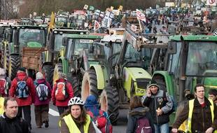 Des opposants au projet d'aéroport de Notre-Dame-des-Landes bloquent le périphérique nantais, le 9 janvier 2015.