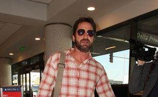 L'acteur Gerard Butler à l'aéroport de Los Angeles.