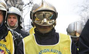 Paris,  Manifestation National sapeurs pompiers. France le 28 janvier 2020. Credi: SEVGI/SIPA//SEVGI_1.565/2001290851/Credit:SEVGI/SIPA/2001290853