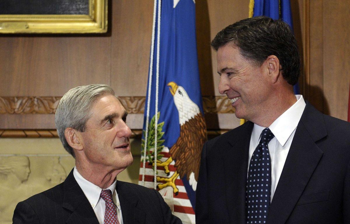 Les anciens directeur du FBI Robert Mueller (gauche) et James Comey, personnages-clés dans l'enquête sur Donald Trump et la Russie. – Susan Walsh/AP/SIPA