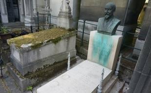 La tombe de Georges Méliès au cimetière du Père Lachaise à Paris.