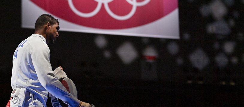 Yannick Borel, dernier relayeur malheureux lors de France-Japon en quarts de finale du tournoi olympique d'épée par équipe.