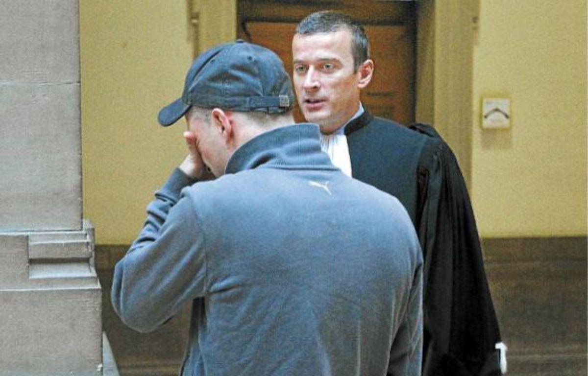 Matthias (en haut) a reconnu les faits devant les victimes, dont Fouzia (en bas). –  G. Varela / 20 Minutes