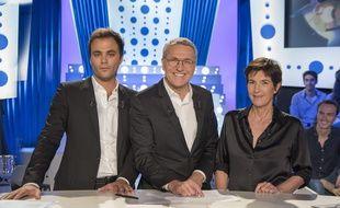 Charles Consigny, Laurent Ruquier et Christine Angot dans l'émission «On n'est pas couché»