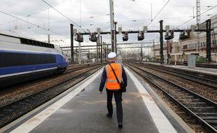 La participation à la grève à la SNCF a rebondi lundi 14 mai 2018 avec 27,58% de grévistes au total, selon la direction.