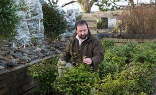 Tam O'Braan au milieu de ses plans de thé à quelques kilomètres du petit village écossais d'Amulree, le 4 février 2016
