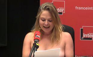 L'humoriste a montré ses seins lors de sa chronique.