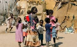 """Des miliciens """"armés par Khartoum"""" ont tué plus de 40 personnes au Soudan du Sud, dans une nouvelle attaque intertribale qui s'est produite dans le pays formé l'an dernier après la partition du Soudan, a affirmé lundi le ministre de l'Intérieur sud-soudanais."""