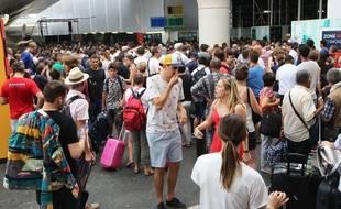 50% des trains sont annulés, lundi 30 juillet, en gare de Montparnasse à Paris