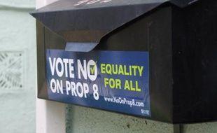 Une boîte aux lettres à West Hollywood, en soutien au mariage gay