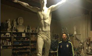 Zlatan Ibrahimovic et sa statue