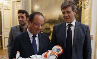 François Hollande a détaillé et défendu ses 34 plans pour le redressement industriel jeudi 12 septembre 2013 au palais de l'Elysée.