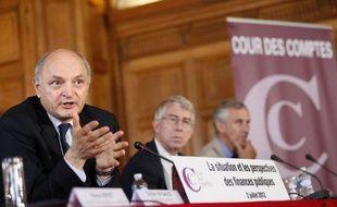 """Le rapport de la Cour des comptes a apporté un """"justificatif"""" opportun à la """"séquence soupe à la grimace"""" que le Premier ministre Jean-Marc Ayrault devrait annoncer mardi dans son discours de politique générale, estiment un grand nombre d'éditorialistes."""