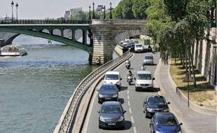 Circulation automobile sur la rive droite. (Photo illustration).
