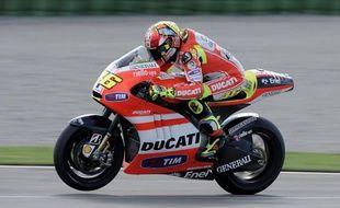 Le septuple champion du monde de MotoGP Valentino Rossi souhaite prolonger de deux ans, jusqu'en 2014, son contrat avec le constructeur italien Ducati, a-t-il dit mardi.