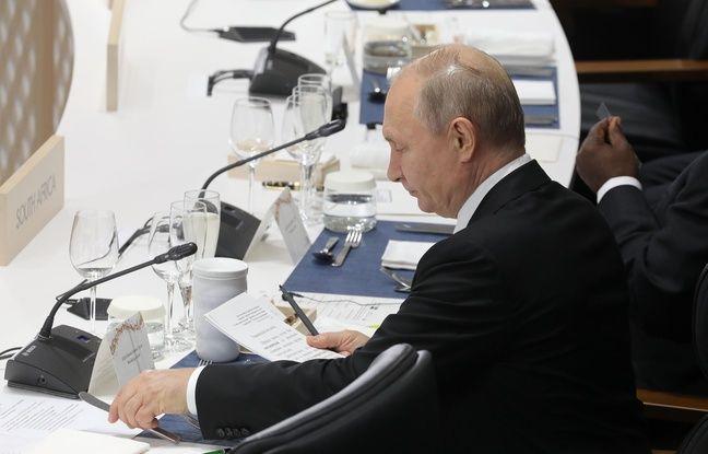 Pourquoi Vladimir Poutine a-t-il apporté sa propre tasse au dîner du G20?