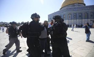 Des heurts sur la place des Mosquées