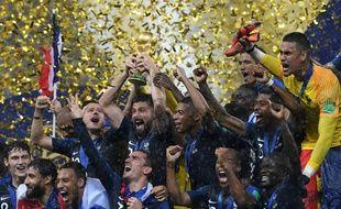 Les Bleus descendront les Champs-Elysées vers 17h, ce lundi, à bord d'un bus impériale.
