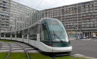 Le tram dans la ville, à l'Esplanade. Le 23 10 2007