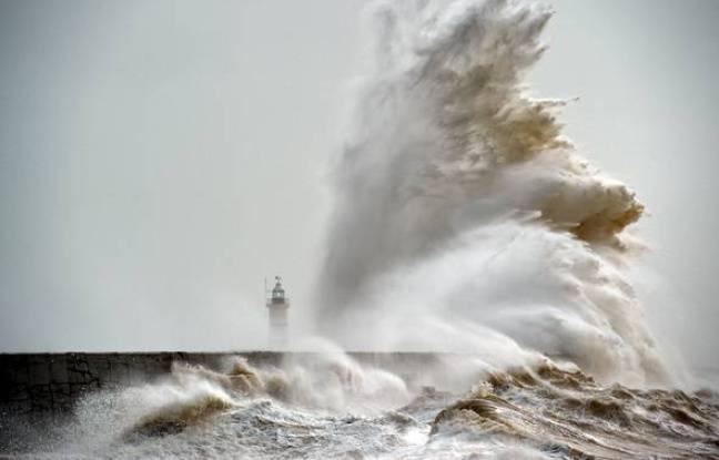 Les vagues gigantesques de la tempête Imogen