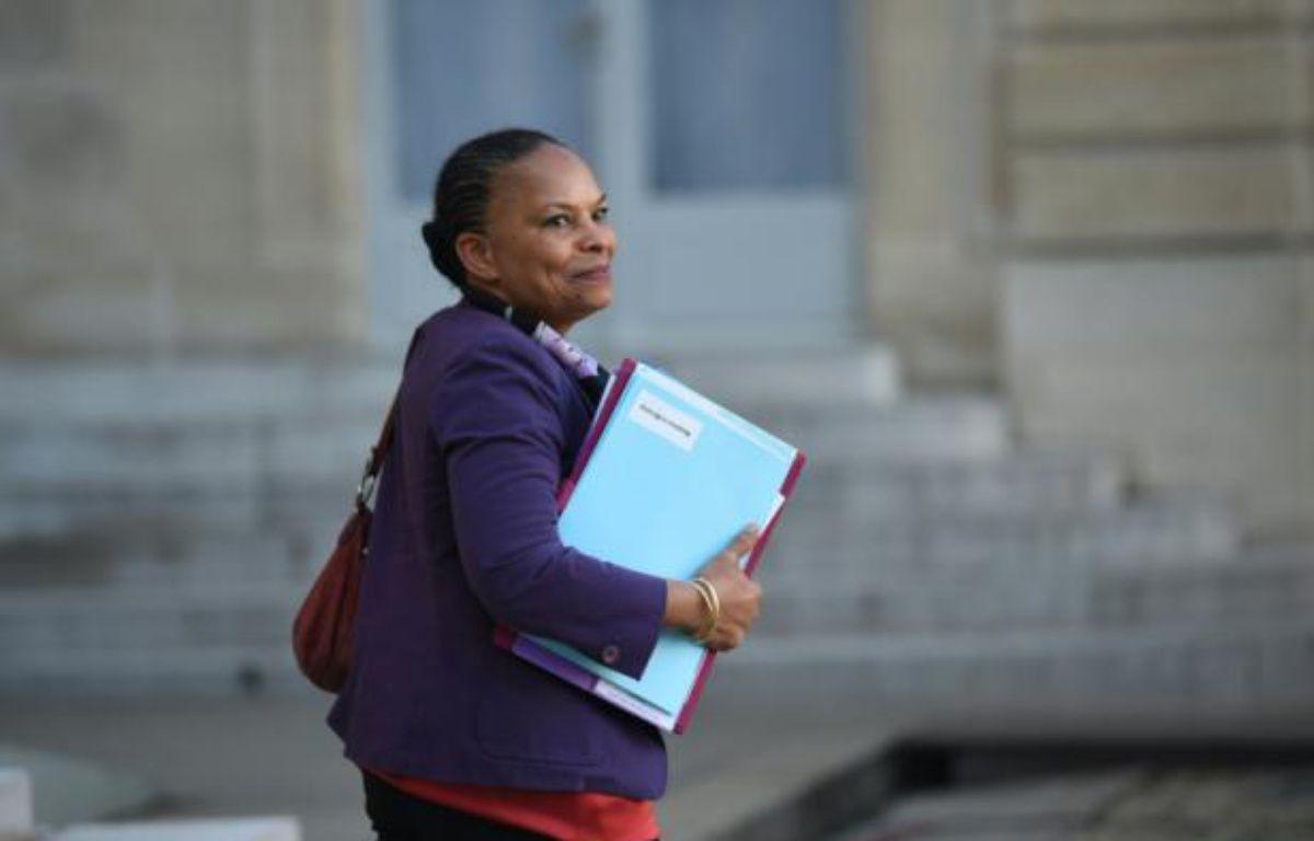 La ministre de la Justice Christiane Taubira à la sortie du Conseil des ministres le 23 décembre 2015 à l'Elysée à Paris – STEPHANE DE SAKUTIN AFP