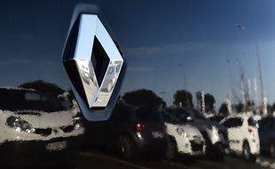 Le logo du constructeur français Renault.