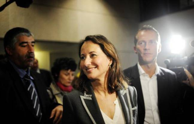Ségolène Royal arrive, le 14 novembre 2009 à Dijon, pour participer aux 1ères rencontres du rassemblement «social, écologique et démocrate» organisé par Vincent Peillon.